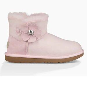 bfb22b51ef6 UGG Shoes - UGG Sz 6 Mini Bailey Button Poppy 1092387 SLPN